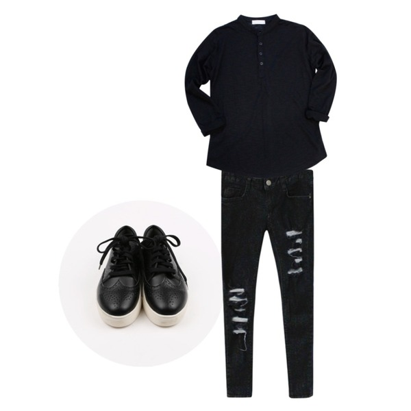 Rough & Detail destroyed skinny, pt_black,Rough & Detail ace button, t_black,daily monday Sister daily sneakers등을 매치한 코디