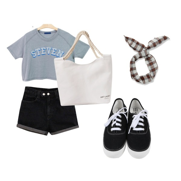 Brownbunny Steven tee,Rough & Detail two snap high short, pt_black,daily monday All day basic sneakers등을 매치한 코디