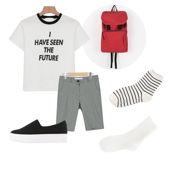 daily monday Young casual backpack,daily monday Hound tooth check midi pants(2colors),daily monday Retro printing tee등을 매치한 코디