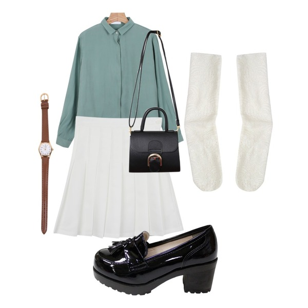 daily monday Cube feminine blouse,daily monday Spring pleats skirt,Rough & Detail tassel flat heels, shoes_black등을 매치한 코디