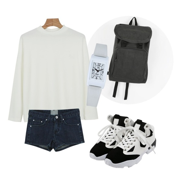 daily monday Young casual backpack,daily monday Heart pocket short pants(3colors),daily monday Lorraine soft tee등을 매치한 코디