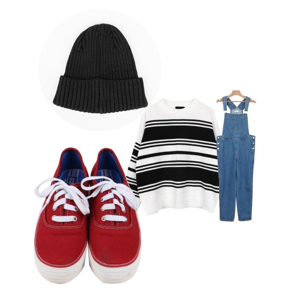 daily monday All day basic sneakers,daily monday MD choice denim overalls,biznshoe Stripe mix knit (2color)등을 매치한 코디