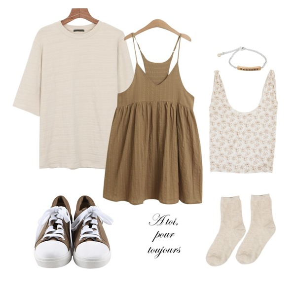daily monday Round comfortable sneakers,daily monday Washing quality tee,TODAY ME [dress]판도라 원피스등을 매치한 코디