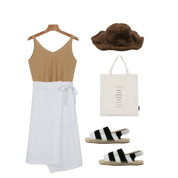 daily monday Long wrap skirt,daily monday Big summer hat,daily monday V-neck bustier6/29 입고예정등을 매치한 코디