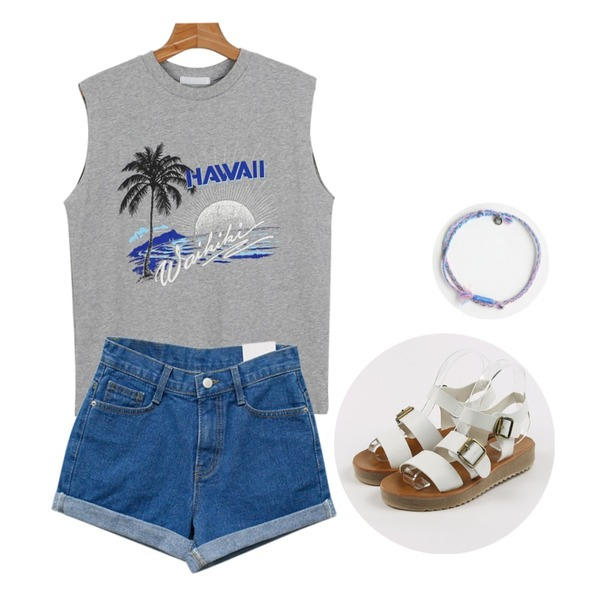 daily monday Thick strap sandal,daily monday Hawaii cutting sleeveless,Rough & Detail half roll up shorts, pt_blue등을 매치한 코디