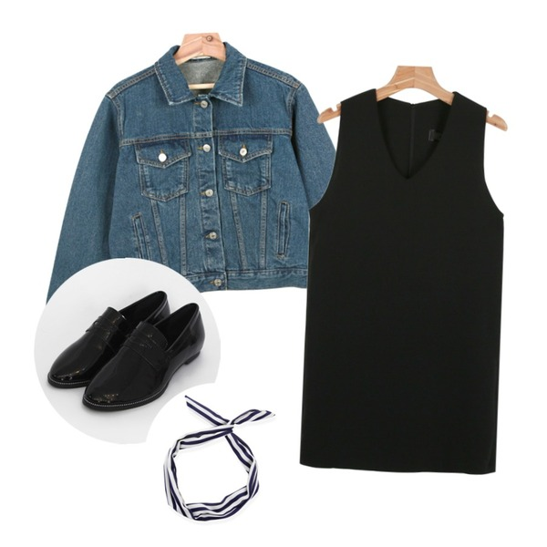 daily monday Off minimal cotton jacket,TODAY ME [shoes]라인 에나멜 슈즈,daily monday V-neck simple ops등을 매치한 코디