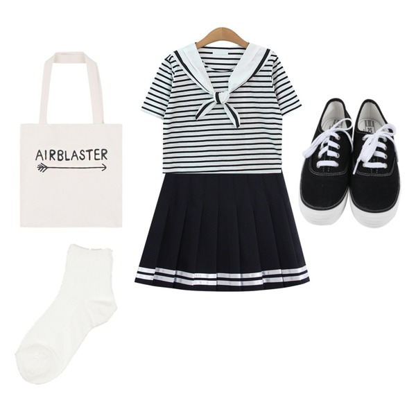daily monday All day basic sneakers,TODAY ME [tee]마린걸 티,TODAY ME [skirt]치어 스커트등을 매치한 코디