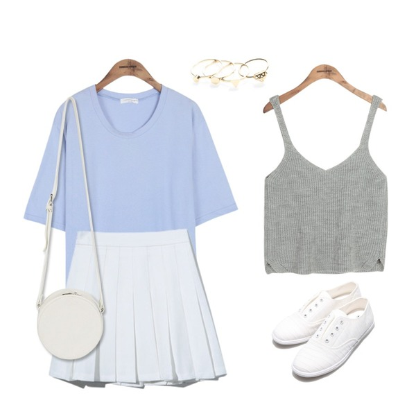 Reine Roly-poly Sneakers ,Reine Agnes Layered Ring,common unique [TOP] COMMON BASIC 1/2 T등을 매치한 코디