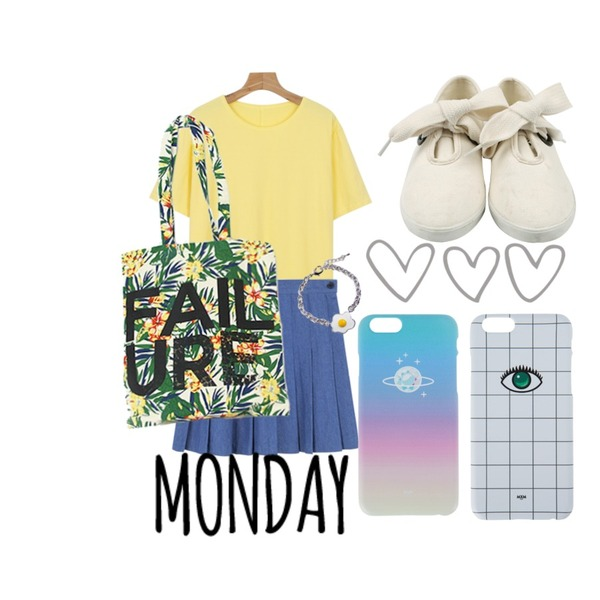 daily monday Shoelace point sneakers,daily monday Plain boxy tee,MIXXMIX 데님 테니스 스커트등을 매치한 코디