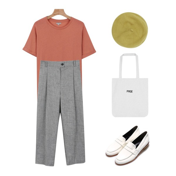daily monday Roll up basic tee,daily monday Simple baggy slacks,Reine Gentle Matte Loafer등을 매치한 코디