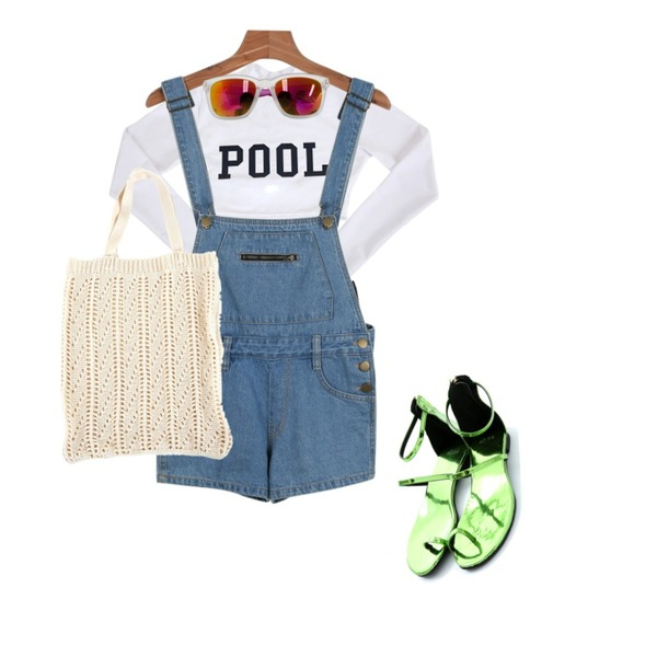 Zemma World POOL (래쉬가드set),Reine Neon Enamel Sandal,daily monday Mini short overall등을 매치한 코디