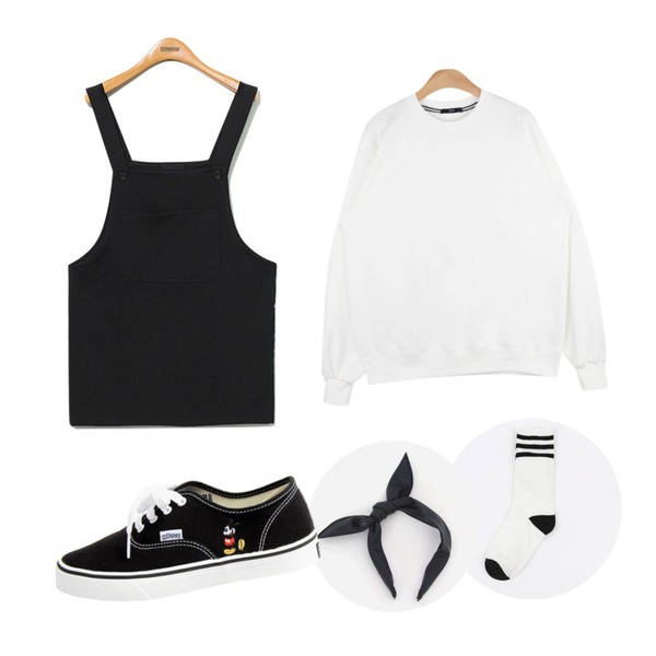 """daily monday 3-stripe high socks,AIN """" FRESH A """" unisex mtm (6 colors),Reine Something Overall Onepiece등을 매치한 코디"""