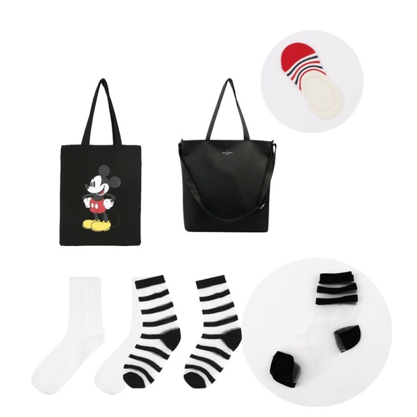 daily monday Disney micky eco bag,biznshoe Simple shoulder bag (4color),daily monday See-through line socks등을 매치한 코디
