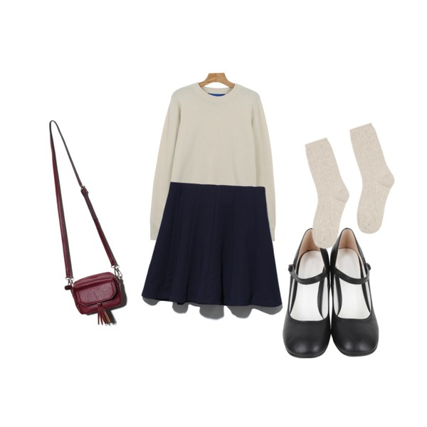 AIN mary janes dancing shoes (2 colors),Reine Julie Flare Skirt,daily monday Loose-fit  wool color knit등을 매치한 코디