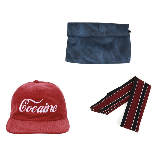 AIN cocaine cap (2 colors),AIN suede roll clutch bag (3 colors),Zemma World 로렌스 (scarf)등을 매치한 코디