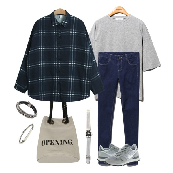 Reine Special Number Cotton Tee,Reine Good Choices Denim Skinny,AIN opening mini rope bag (3 colors)등을 매치한 코디