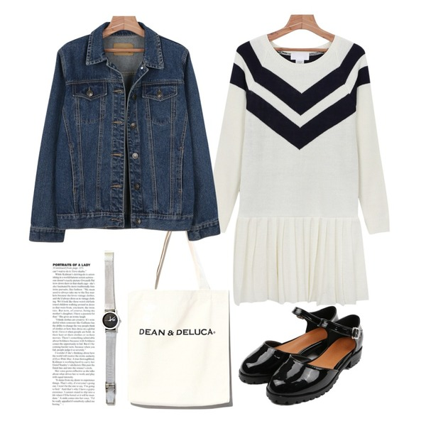 daily monday Modern pleats one-piece,Reine Everyday Practical Eco Bag,daily monday Spring denim jacket등을 매치한 코디