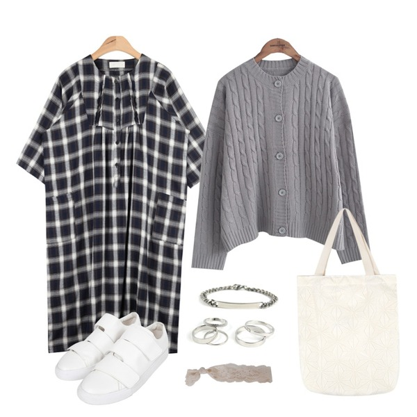 """common unique  TWIST BOXY CARDIGAN,AIN more check daily ops """"weekly 20% item"""",AIN velcro sneakers (2 colors)등을 매치한 코디"""