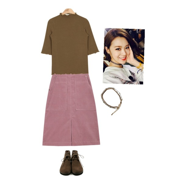 daily monday Round Suede shoes,AIN ruffle point slim T (4 colors),AIN corduroy middle warm skirt (3 colors) 등을 매치한 코디
