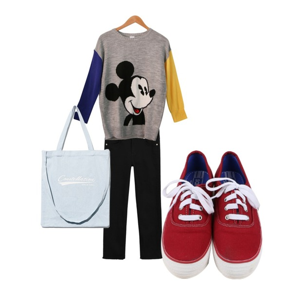 daily monday All day basic sneakers,Salon de byme ( 디즈니 정품 ) HEY MICKEY ( 그레이 , 화이트 ) 업뎃완료! 주문폭주!,daily monday Casual straight cotton pants등을 매치한 코디