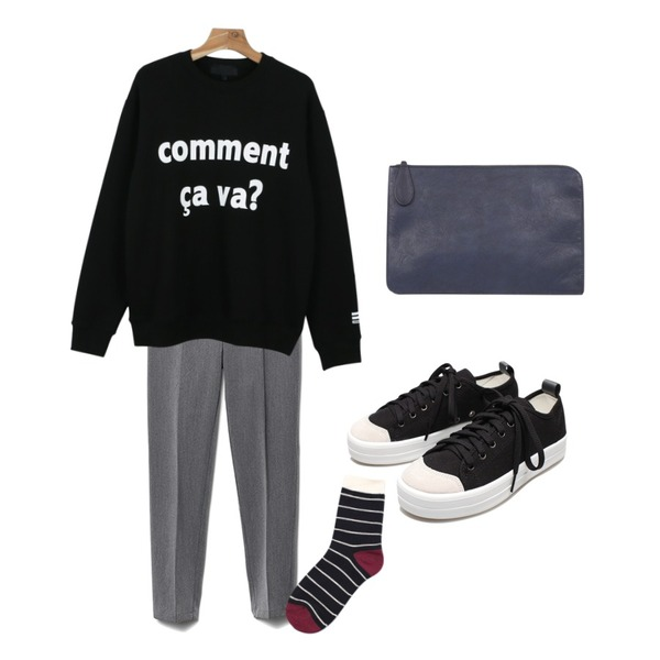 daily monday Comment printing  man to man,Reine Easy Banding Slacks,Reine Mable Point-Color Socks등을 매치한 코디