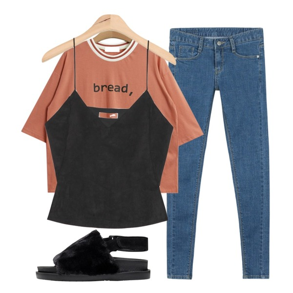 daily monday Story skinny denim,TODAY ME [tee]브렛 티,AIN suede slit bustier (2 colors)등을 매치한 코디