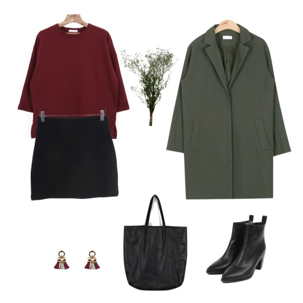 AIN edge ankle heel (2 colors),daily monday Easy square big bag,AIN acne classic modern jacket (2colors)등을 매치한 코디