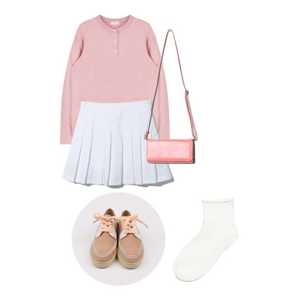 daily monday Colorful stitch sneakers,Reine Valentine Tennis Skirt,MIXXMIX 버튼 헨리넥 티셔츠등을 매치한 코디