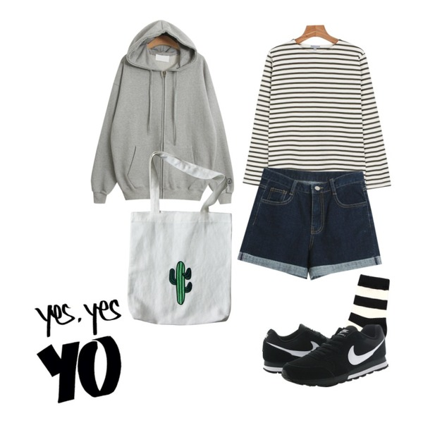 TODAY ME [ziz-up]글루미 후드집업,Reine Play Bold Stripe Socks,daily monday Another color stripe tee등을 매치한 코디