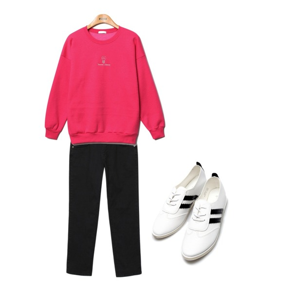 daily monday Basic straight cotton pants,Reine Side Patch Sneakers  ,Reine Edition Vivid-Color Sweat Shirts등을 매치한 코디