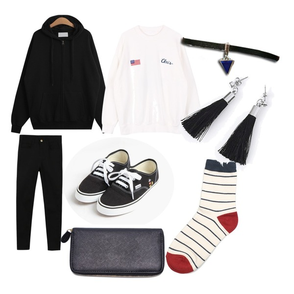 biznshoe Snoopy man-to-man,TODAY ME [ziz-up]글루미 후드집업,daily monday Basic cotton color skinny등을 매치한 코디