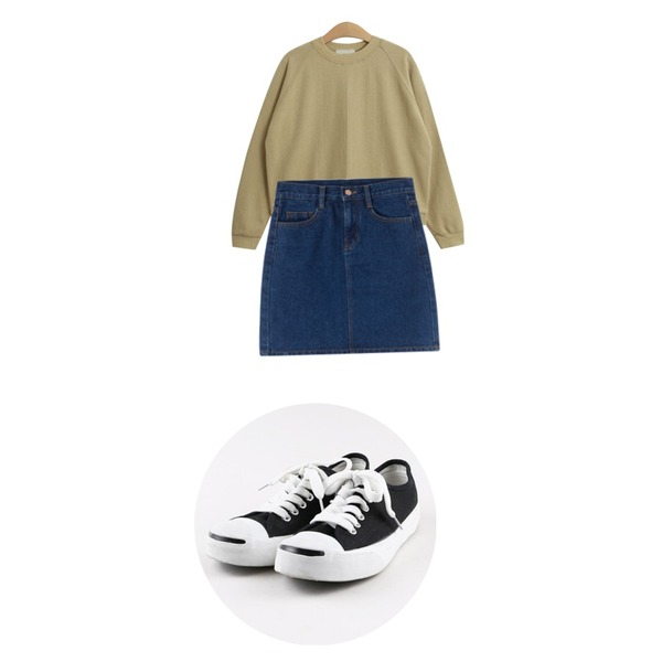daily monday Easy smail sneakers,MIXXMIX 447 데님 스커트,TODAY ME [tee]프래쉬 티등을 매치한 코디