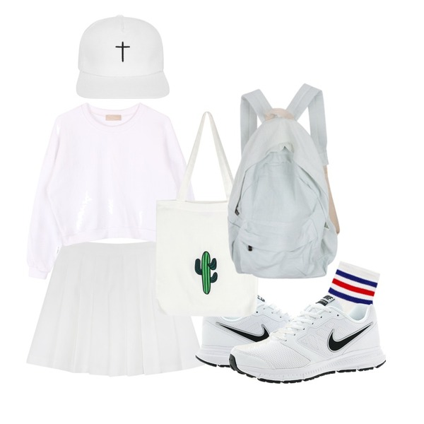 daily monday Tennis pants skirt,biznshoe Basic crop mtm (3color),Reine Unique Coloring Cotton Socks등을 매치한 코디