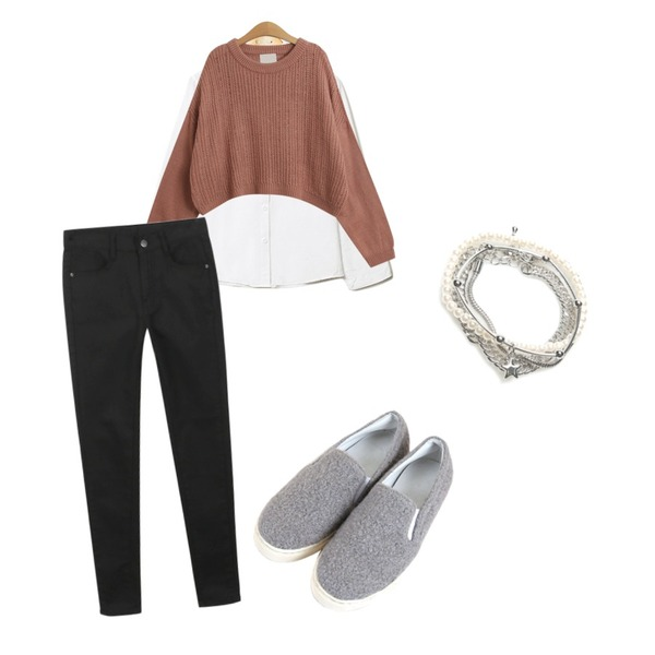 Reine Smoothie Ruffle Collar Blouse,daily monday Black white skinny,TODAY ME [knit]컴투 니트등을 매치한 코디