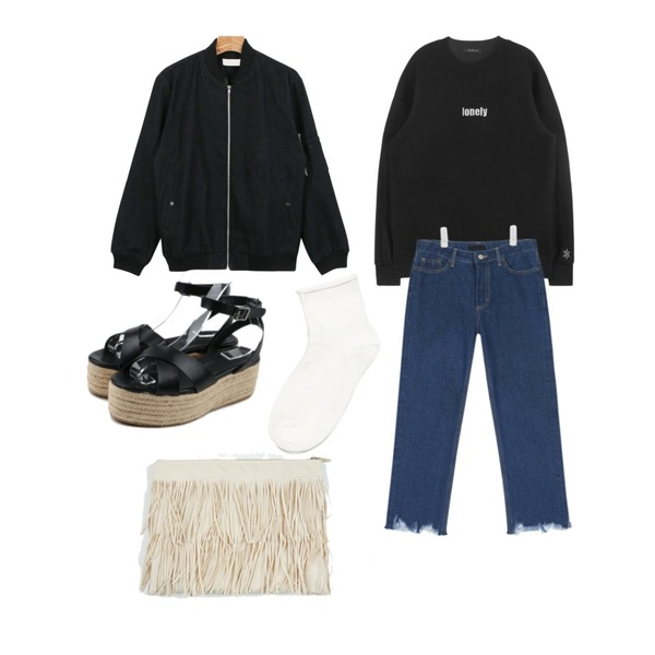 daily monday Girlish strap wedge sandals,AIN cutting boots cut blue denim pants ,MIXXMIX HIDE AND SEEK웨더 스웨트 셔츠 (lonely)등을 매치한 코디