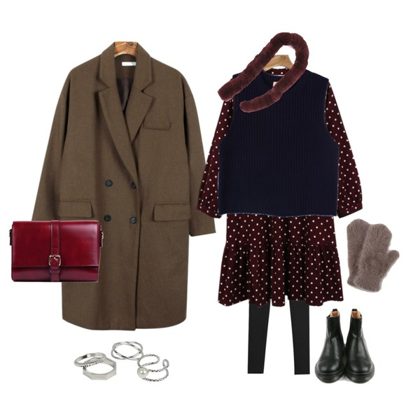 daily monday Warm dot point one-piece,daily monday Deep color double coat,TODAY ME [leggings]하이츠 레깅스등을 매치한 코디