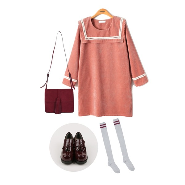 daily monday Chunky high tassel loafer,AIN line over-knee socks (4 colors),Reine Lace Point Coduroy Onepiece등을 매치한 코디