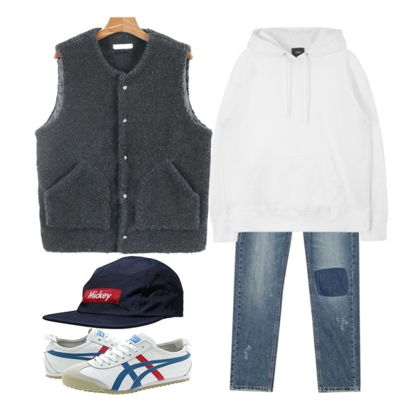 AIN vintage patch washing denim pants,MIXXMIX MXM 15FWPolaroid Hoody (White)17일 입고예정,daily monday Soft wool vest등을 매치한 코디