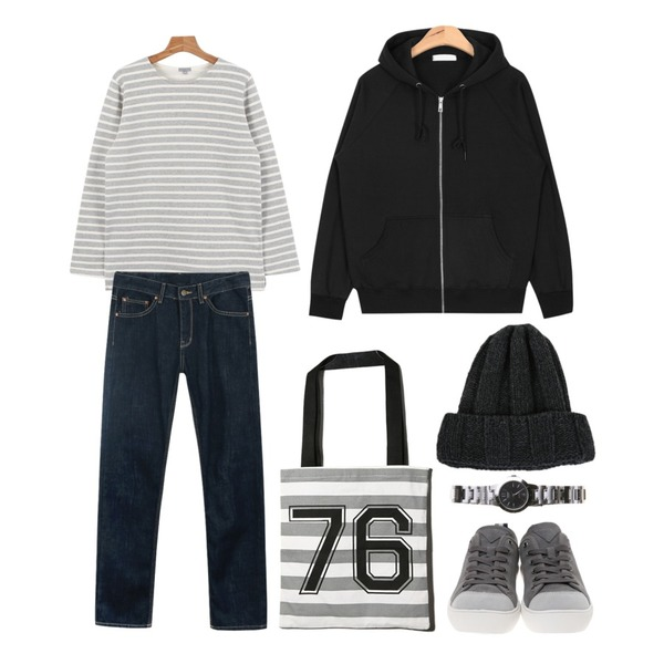 daily monday Selvedge slim denim,AIN daily hoody jumper (6 colors),daily monday Another winter stripe tee등을 매치한 코디