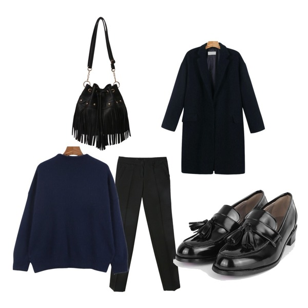 DORA 하니슬랙스,daily monday Half point neck boxy knit,AIN two tassel basidc loafer (6 colors)등을 매치한 코디