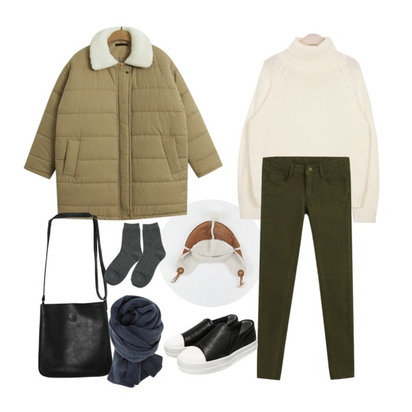 AIN urban winter cosy pola knit (3 colors),TODAY ME [jumper]델핀 패딩 점퍼,daily monday Mustang winter hat등을 매치한 코디