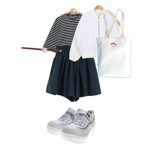 daily monday Daily flare short pants,Reine Momo Stripe Boxy Tee ,AIN opening ma-1 flight jumper (2 colors)등을 매치한 코디