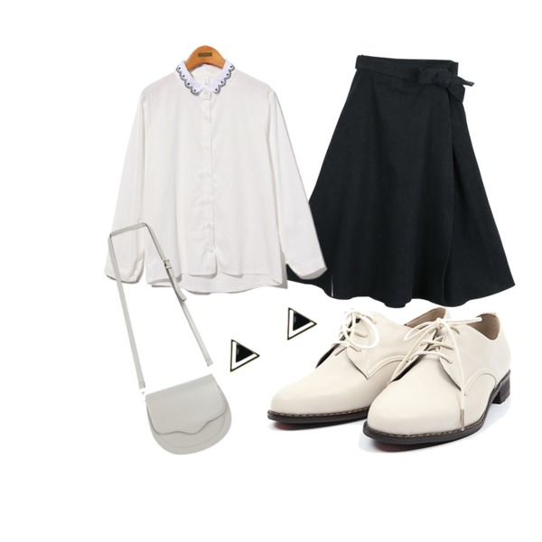 Reine Royal Flower Embroidery Blouse,daily monday London midi lap skirt,AIN classic line loafer (3 colors)등을 매치한 코디