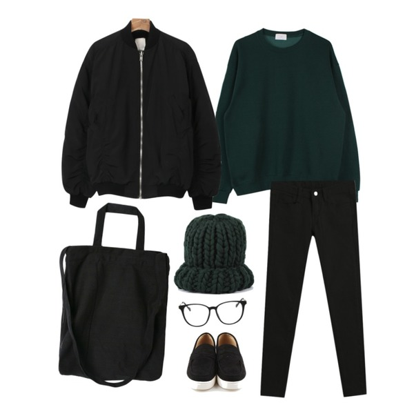 biznshoe Basic color mtm (5color),TODAY ME [skinny]톰 컬러 스키니진,daily monday Suede slip on sneakers등을 매치한 코디