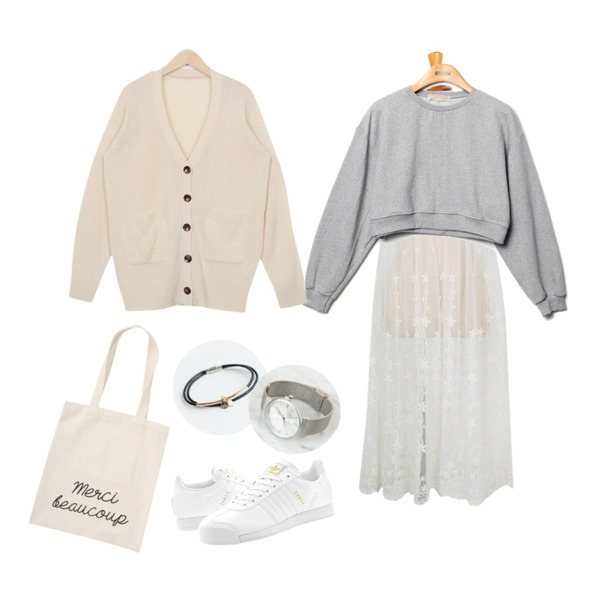 Reine Sugar Crop Sweat Shirts,From Beginning Daily V button cardigan_B (size : free),From Beginning Flower lace slip ops_P (size : free)등을 매치한 코디
