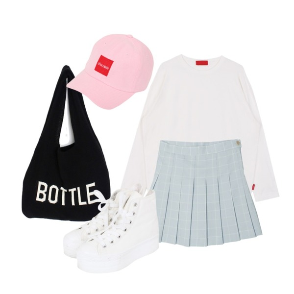 LINDA GIRLS 보틀 니트백 (4color),biznshoe Basic long sleeve tee (3color),DORA 픽미테니스SK등을 매치한 코디