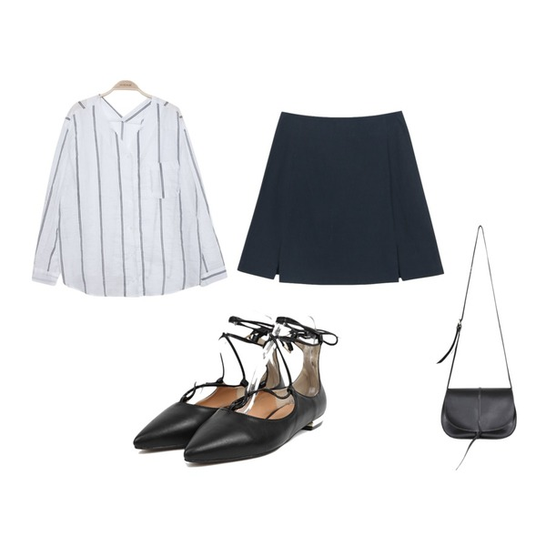 IM3 V 세로 s/t blouse,AIN gold pointed flat shoes (2 colors),daily monday Slit line check skirt등을 매치한 코디