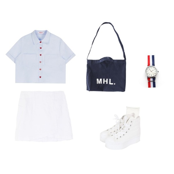 Reine Natural Cutting Socks,MIXXMIX Heart club 16SSHeart Button Crop Shirt(Sky blue),BULLANG GIRL 미니랩SK등을 매치한 코디