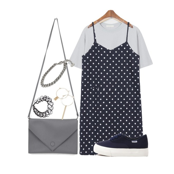 MINIBBONG 매그놀리아-ops,From Beginning Soft cotton T_B (size : free),AIN love letter clutch bag (5 colors)등을 매치한 코디