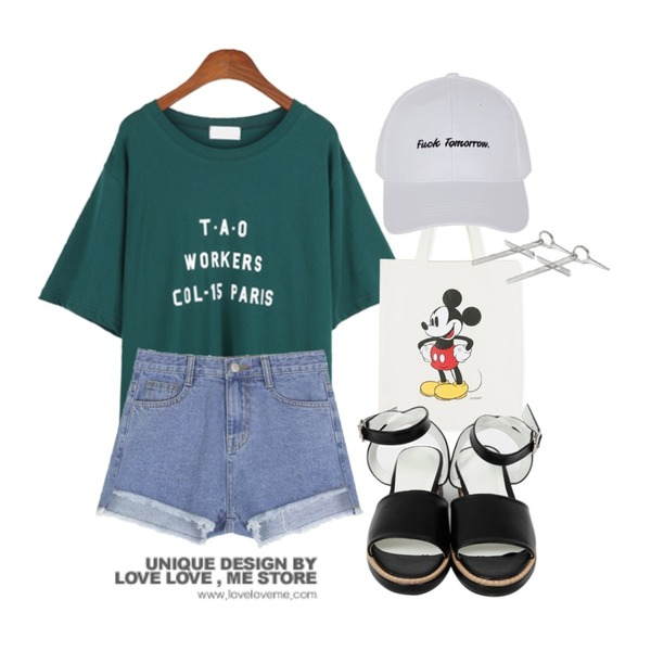 daily monday Disney micky eco bag,MIXXMIX ONLY MIX Damage denim pants,BANHALA 뾰루퉁 티셔츠등을 매치한 코디